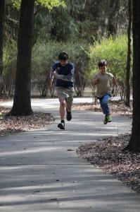 boys-running-291013_640